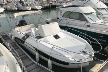 Beneteau Flyer 7.7 Sundeck for sale in France for €50,500 (£44,663)