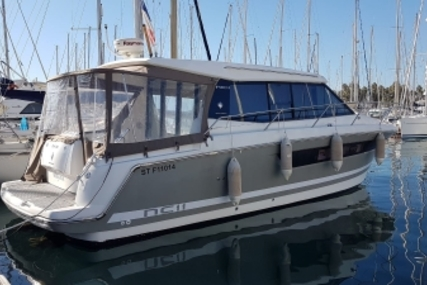Jeanneau NC 11 for sale in France for €175,000 (£154,059)