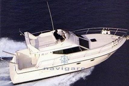 Azimut Yachts 37 for sale in Italy for €75,000 (£64,180)