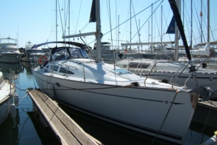 Jeanneau Sun Odyssey 35 for sale in France for €63,000 (£56,592)