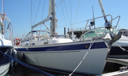 Image of Hallberg-Rassy 37 for sale in France for €180,000 (£157,986) LA ROCHELLE, France