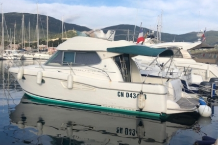 Jeanneau Merry Fisher 925 Fly for sale in France for €50,000 (£43,283)