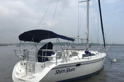 Catalina 320 for sale in United States of America for $76,499 (£58,809)