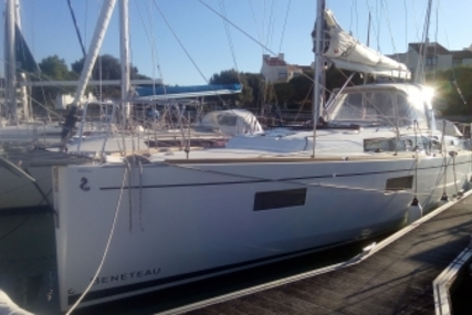 Beneteau Oceanis 38.1 for sale in France for €155,000 (£136,044)