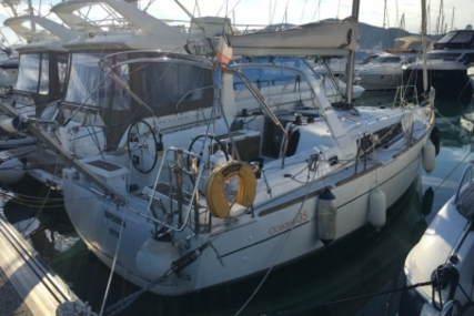 Beneteau Oceanis 35 for sale in France for €120,000 (£105,780)