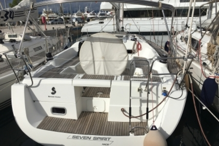 Beneteau Oceanis 37 for sale in France for €95,000 (£85,317)