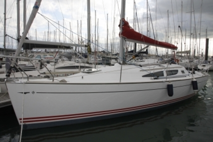 Jeanneau Sun Fast 35 for sale in France for €54,900 (£48,497)