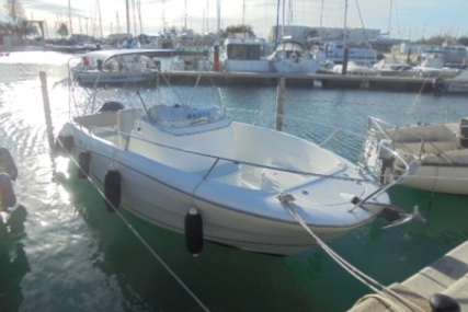 Jeanneau Cap Camarat 7.5 Cc for sale in France for €29,000 (£25,618)