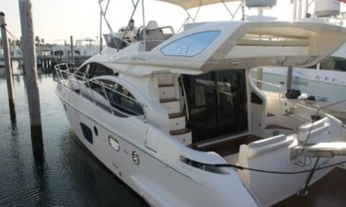 Image of Azimut Yachts 47 for sale in United States of America for $469,000 (£361,300) Miami, FL, United States of America