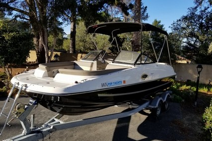 Bayliner 215 Deck Boat for sale in United States of America for $41,000 (£30,960)