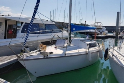 Jeanneau Sangria for sale in France for €3,500 (£3,092)