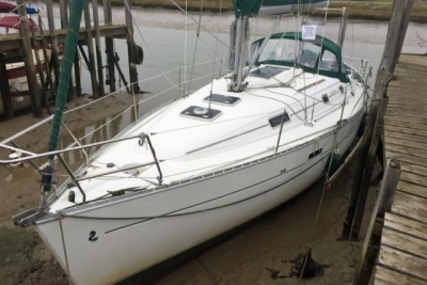 Beneteau Oceanis 331 Clipper Lifting Keel for sale in United Kingdom for £38,250