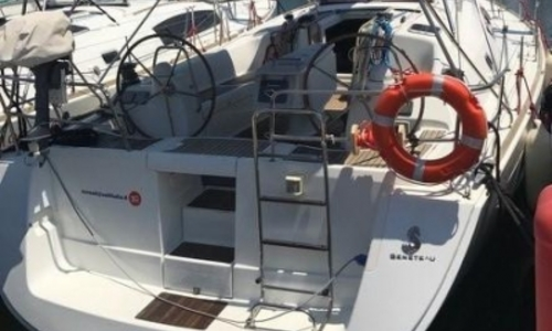 Image of Beneteau Oceanis 43 for sale in Italy for €79,000 (£69,739) PROCIDIA, Italy