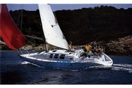 Beneteau First 35S5 for sale in Italy for € 40.000 (£ 35.311)