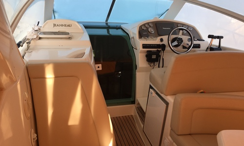 Image of Jeanneau Prestige 30 S for sale in United Kingdom for £69,950 Boats.co., United Kingdom