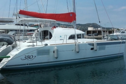 Lagoon 380 for sale in Spain for €235,000 (£205,851)