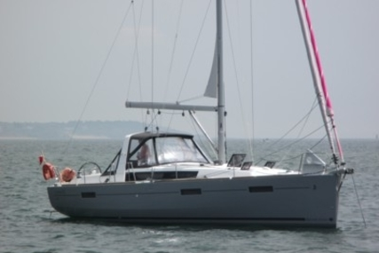 Beneteau Oceanis 41 for sale in France for €170,000 (£147,809)