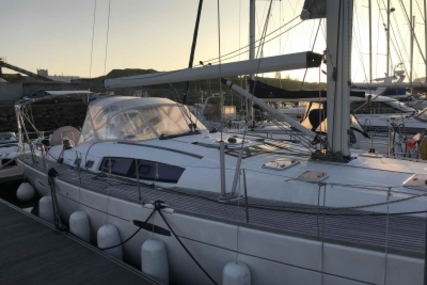 Beneteau Oceanis 54 for sale in France for €220,000 (£191,959)