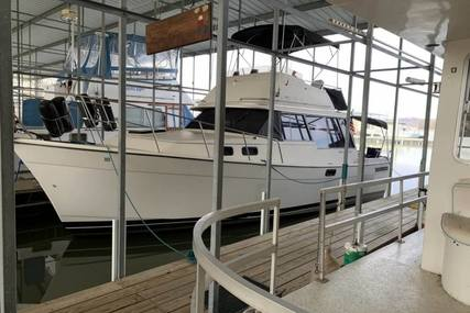 Bayliner 3270 Explore w/Command Bridge for sale in United States of America for $27,000 (£20,345)