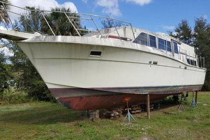 Chris-Craft 381 Catalina for sale in United States of America for $9,000 (£6,860)