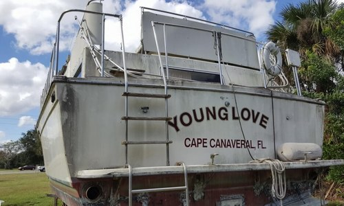 Image of Chris-Craft 381 Catalina for sale in United States of America for $8,500 (£6,033) Mims, Florida, United States of America