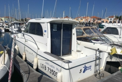Beneteau Antares 760 Anniversary for sale in France for €34,000 (£30,014)