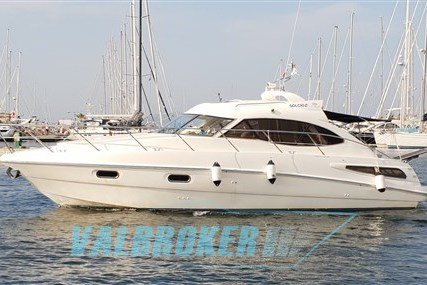 Sealine SC 39 for sale in Italy for €100,000 (£87,617)