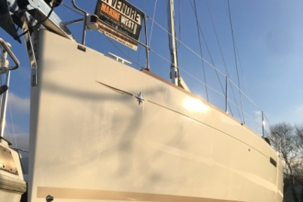 Jeanneau SUN ODYSSEY 379 LIFTING KEEL for sale in France for 129.000 € (111.392 £)