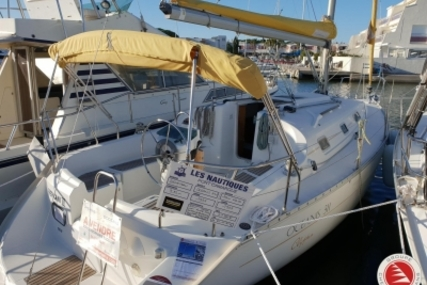 Beneteau Oceanis 311 Clipper for sale in France for €39,900 (£35,125)