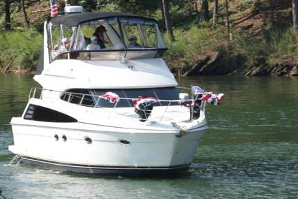 Carver Yachts 42 for sale in United States of America for $205,600 (£159,400)