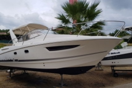 Jeanneau Leader 8 for sale in France for €55,000 (£48,643)
