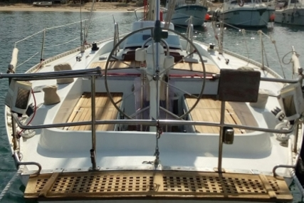 Solaris 37 for sale in Italy for €29,900 (£25,844)