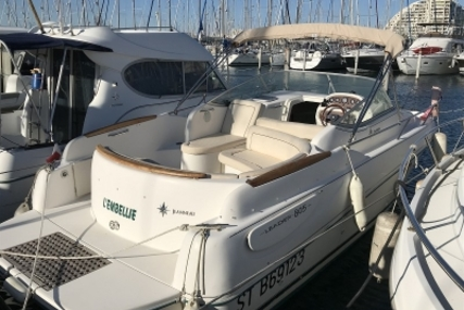 Jeanneau Leader 805 for sale in France for €28,000 (£24,216)