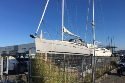 Beneteau Oceanis 31 for sale in France for €66,000 (£57,546)