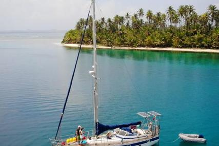 Hallberg-Rassy 352 for sale in Bahamas for $78,000 (£60,473)