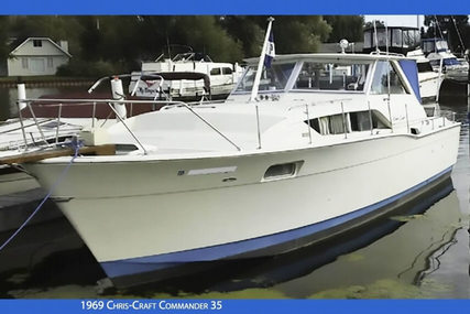 Chris-Craft Commander 35 for sale in United States of America for $17,500 (£13,570)