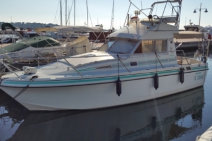 Beneteau ANTARES 860 FLY for sale in France for €36,000 (£31,257)