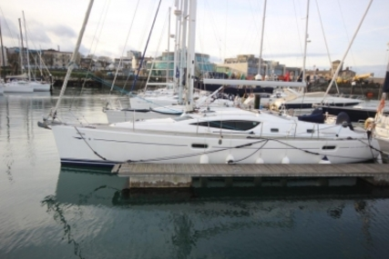 Jeanneau Sun Odyssey 42 DS for sale in Ireland for €130,000 (£113,031)