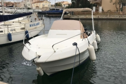 Beneteau Flyer 750 Sundeck for sale in France for €31,500 (£27,807)