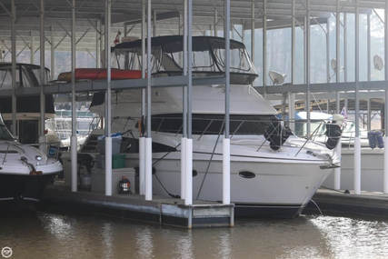 Carver Yachts 42 Super Sport for sale in United States of America for $194,000 (£149,710)
