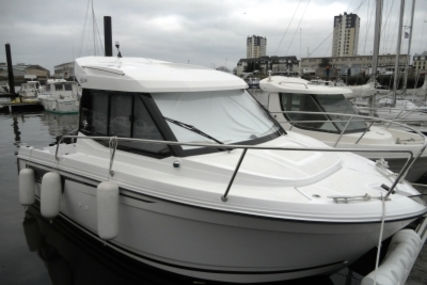 Jeanneau Merry Fisher 605 for sale in France for €29,000 (£24,814)