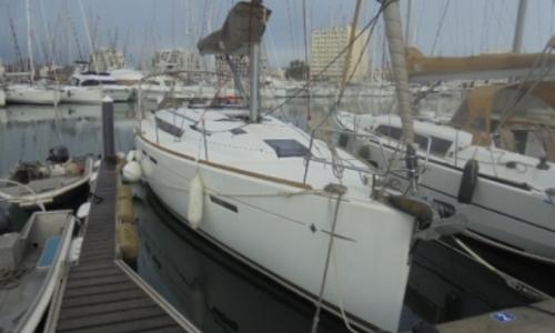 Image of Jeanneau Sun Odyssey 409 for sale in France for €155,000 (£132,589) LA GRANDE MOTTE, France