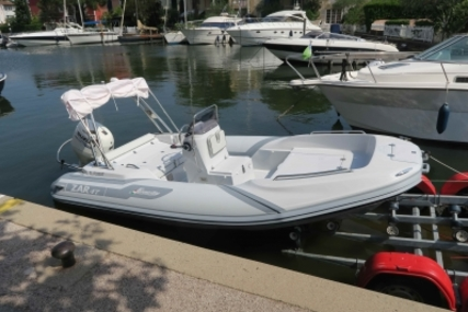 Zar Formenti 47 for sale in France for €25,000 (£22,060)