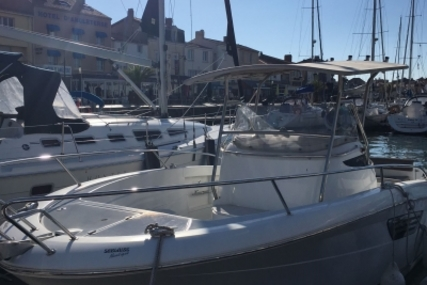 Jeanneau Cap Camarat 8.5 CC for sale in France for €73,000 (£63,990)