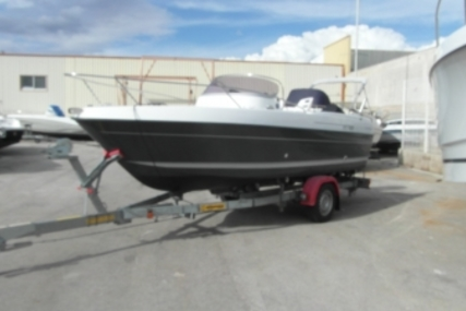 B2 Marine CAP FERRET 552 DC for sale in France for €18,900 (£16,410)