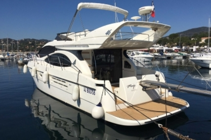 Azimut Yachts 46 for sale in France for €160,000 (£139,115)