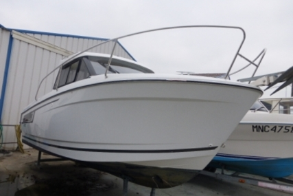 Jeanneau Merry Fisher 695 for sale in France for €38,000 (£33,287)
