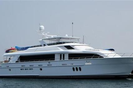 Hatteras 105 for sale in United Arab Emirates for $4,950,000 (£3,911,528)