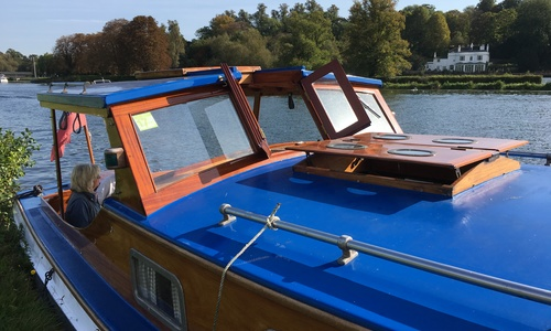Image of Walton Marine Traditional Thames Cruiser for sale in United Kingdom for £27,500 Henley on Thames, United Kingdom