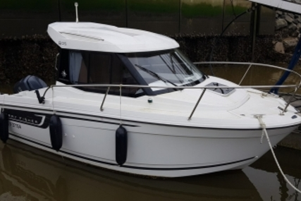Jeanneau Merry Fisher 605 for sale in France for €26,500 (£23,008)